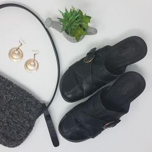 CLARK'S Artisan Black Leather Mules Clogs Slides